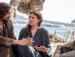 Jesus (Cliff Curtis) avec Marie-Madeleine (Maria Botto) et Jean (Selva Rasalingam)